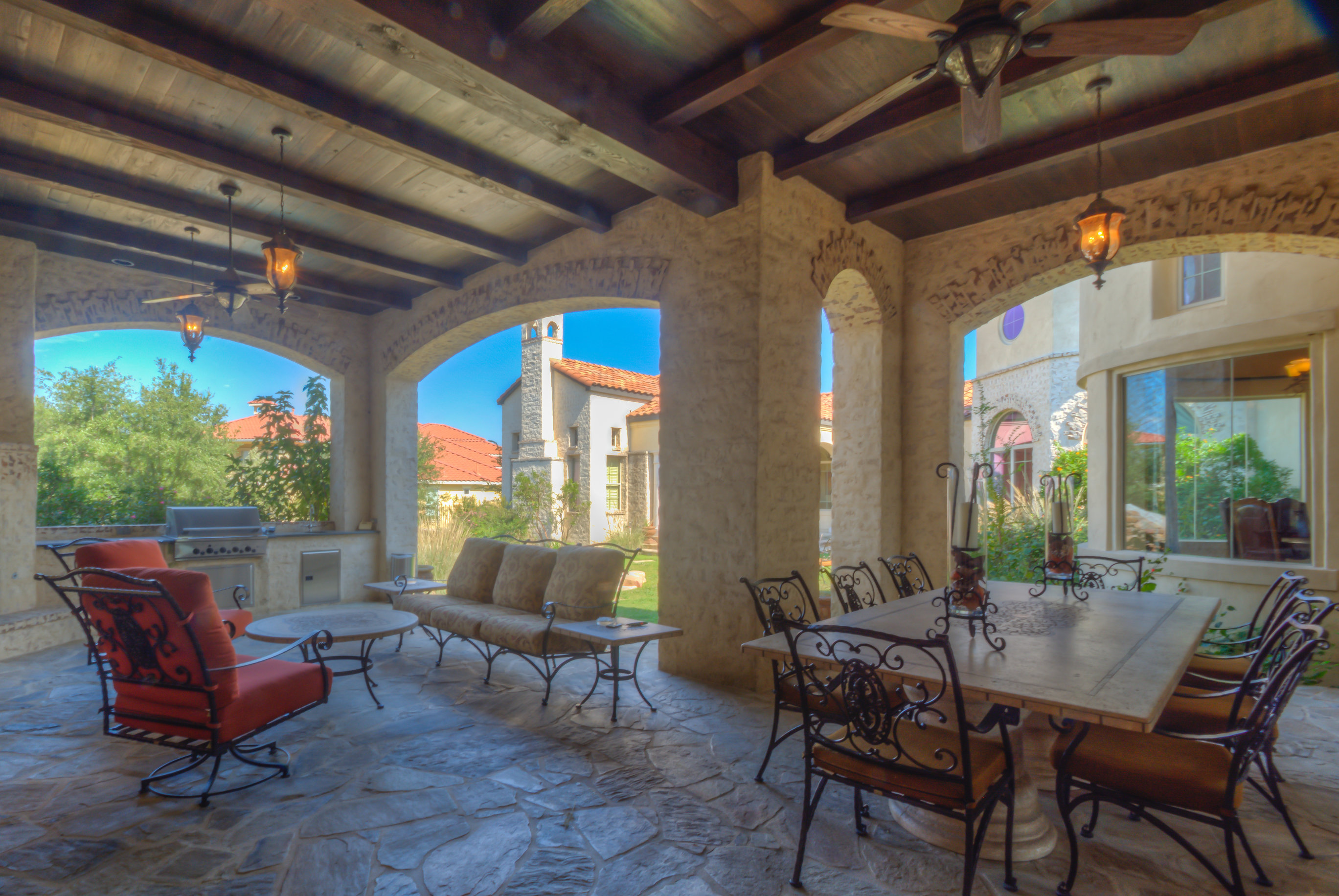 8 San Antonio Outdoor Kitchens Perfect For Football Season
